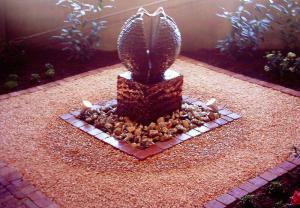 027. Tuinverlichting en  ornamenten vormen de finishing touche